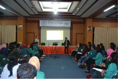Second session seminar – Ibu Neila was explaining about career plan – goal setting with a role play