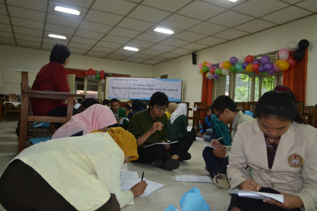 Individual Assignment – Participant was writing the characteristics of leader then compare the answer with the others
