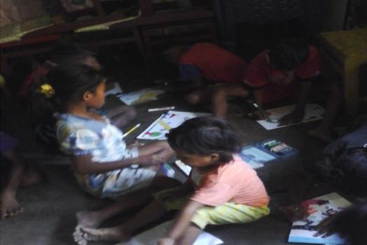 RR Kupang: Bermain dan Belajar di Taman Baca Oesapa