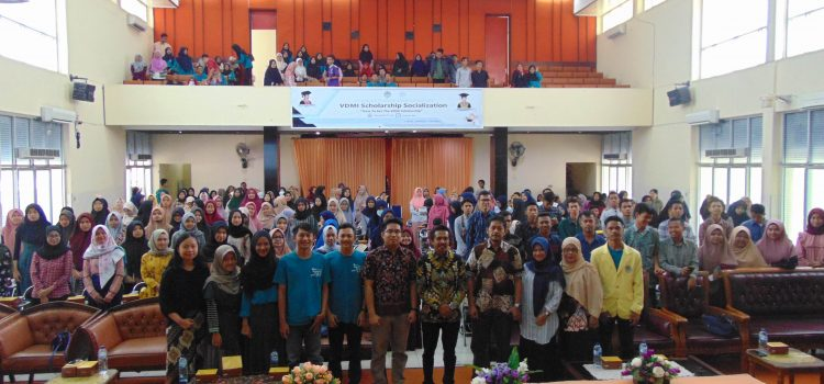 RR Padang: VDMI Scholarship Socialization at Padang State University