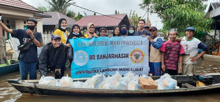 RR Banjarmasin: Charity for Flood Victim in South Kalimantan
